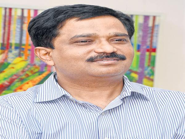 Auto and taxi drivers scheme named as YSR Vaahana Mitra - Sakshi