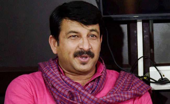 Kejriwal, Manoj Tiwari Spar Over Implementation of NRC - Sakshi