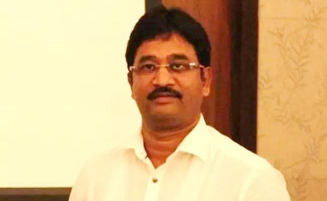 Gun Fire on Private Company Manager Devaraj in Karnataka - Sakshi