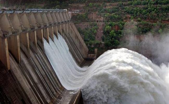 Water Flow Increased In Srisailam Kurnool - Sakshi