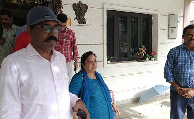 ESI Medicines Scam: Director Devika Rani Arrested By ACB - Sakshi