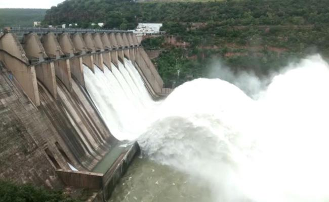 Heavy Water Inflow To Krishna River - Sakshi