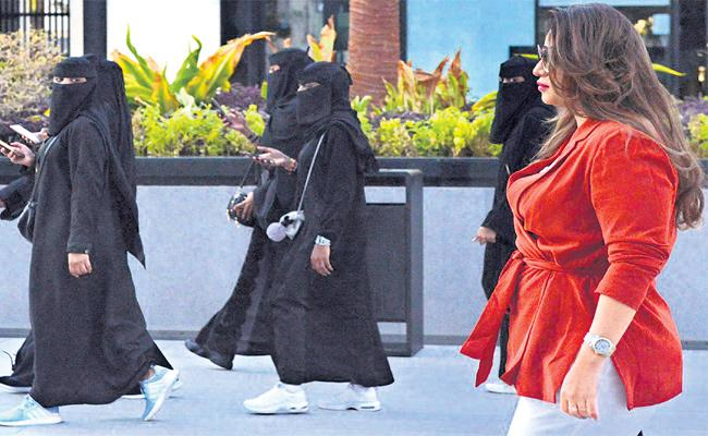 Saudi Sisters Fight For Women Empowerment And Freedom - Sakshi