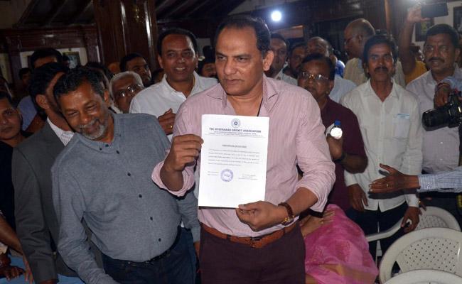 HCA President Azharuddin Meets Minister KTR - Sakshi