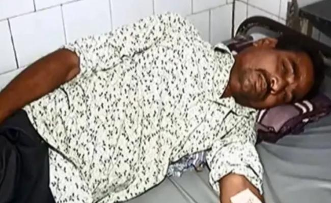 Gujarat Rickshaw Driver Challaned Rs 18000 Attempts Suicide - Sakshi