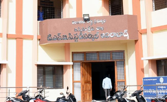 Study Circle Not Give Service To students In Adilabad - Sakshi