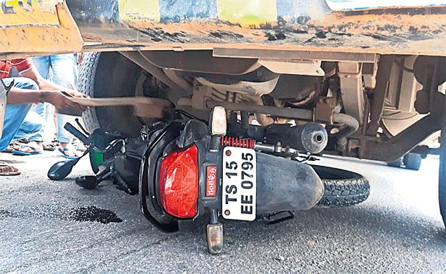 Women Died in Bike Accident Medchal - Sakshi
