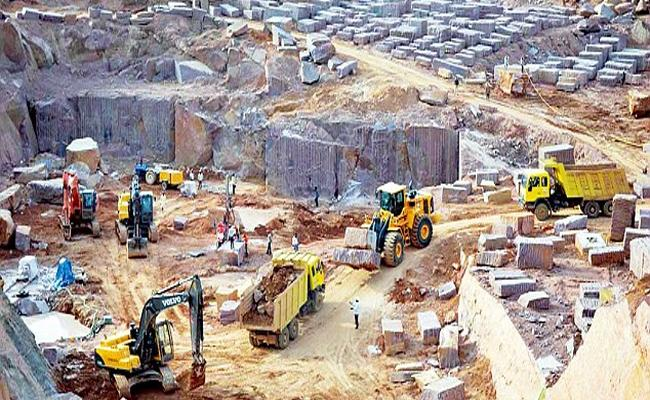 Granite War Between Bandi Sanjay And Gangula Kamalakar - Sakshi