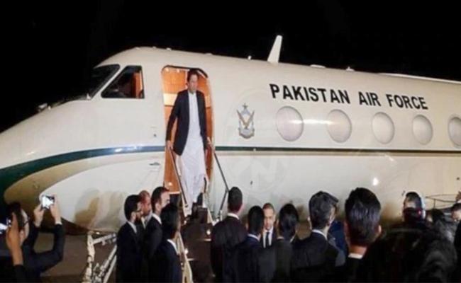Imran Khan Plane Makes Emergency Landing in New York - Sakshi