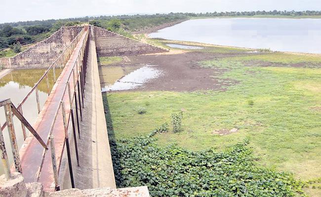 No Water In Lakhanpur Project At Rangareddy - Sakshi