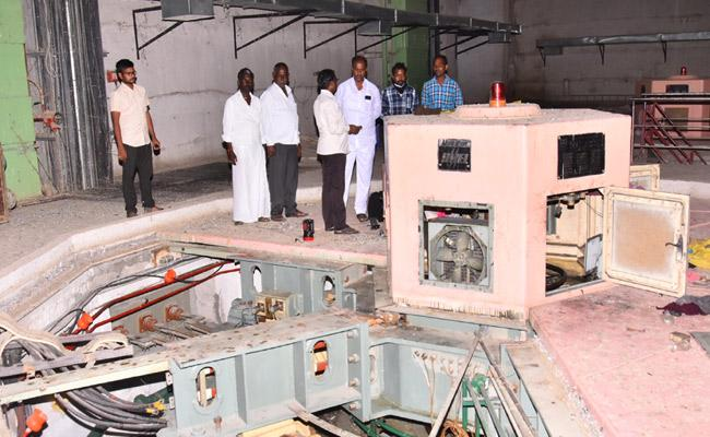 Electricity Dues For Irrigation Projects In Mahabubnagar - Sakshi