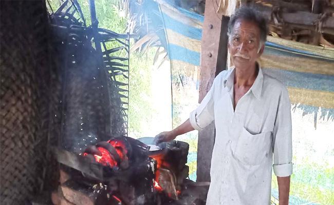 Minapa Chapathi Famous In East Godavari District - Sakshi
