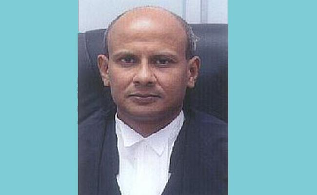 High Court Lawyers Protest Over The Transfer Of Justice Sanjay Kumar - Sakshi