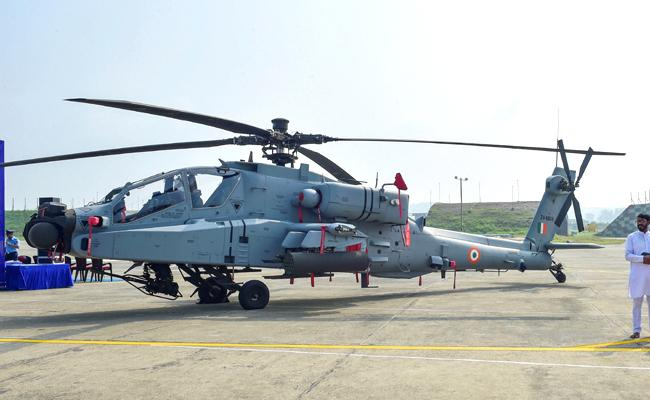 IAF gets its first fleet of 8 Apache attack helicopters - Sakshi