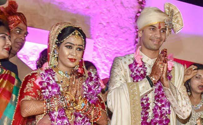 They even denied food for me accuses Tej Pratap wife Aishwarya Rai  - Sakshi