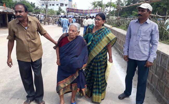 Huzurnagar Bypolls Lakshmi Narasamma Land Mafia Elections KCR - Sakshi
