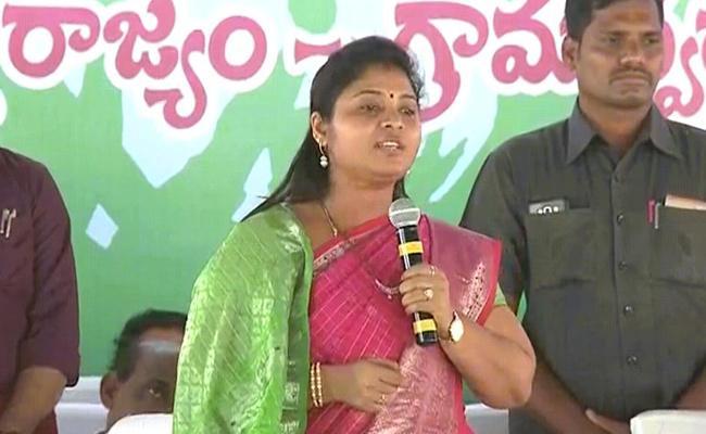 Pushpa Srivani Comments On Grama Sachivalayam Appointments - Sakshi