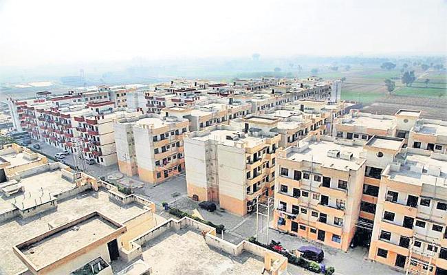 Expert Panel concludes that TDP Govt Irregularities in poor people housing construction - Sakshi