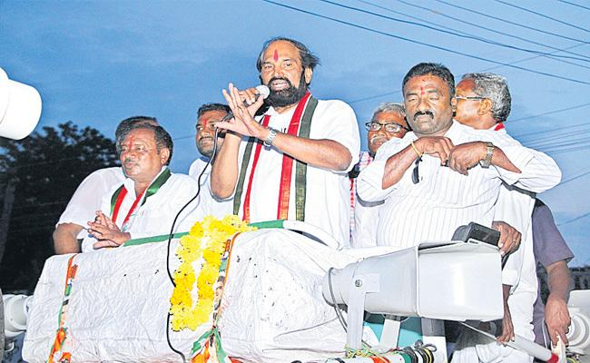 Uttam In The By-Election Campaign In Huzurnagar - Sakshi