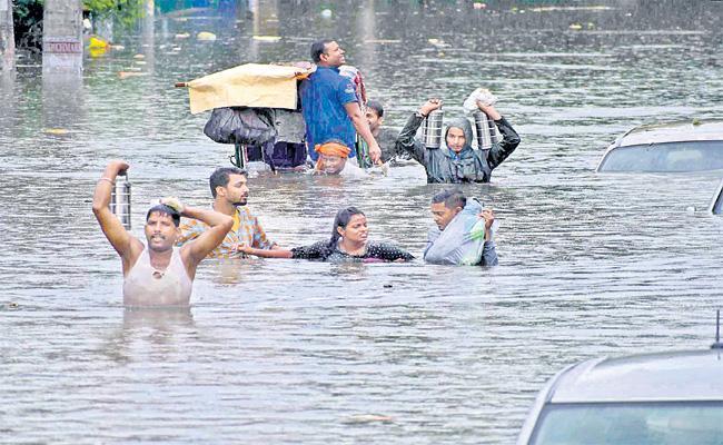 Floods In Patna following Heavy Rainfall - Sakshi