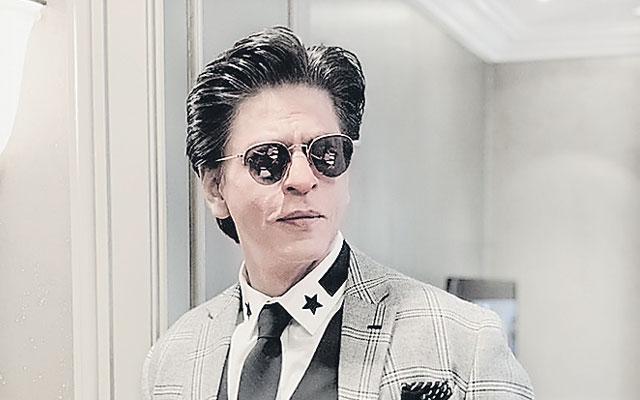 Shah Rukh Khan In Talks For Kill Bill Hindi Remake - Sakshi