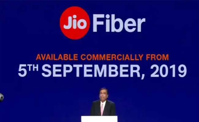 Reliance Jio Fiber broadband to be commercially launched - Sakshi