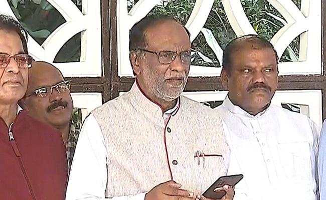 BJP state President K Laxman Fires On TRS In Delhi - Sakshi