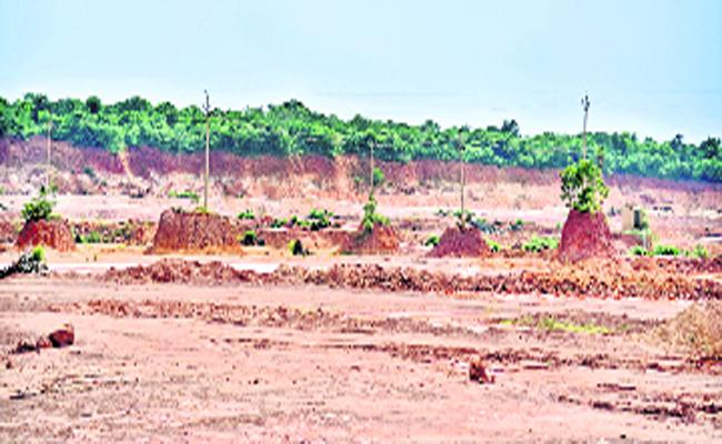 TDP Leader Followers Illegal Gravel Excavations In East Godavari - Sakshi