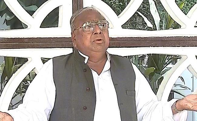 Senior Leader Hanumatha Rao Accused On Congress Party In Delhi  - Sakshi