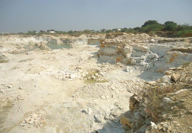 TDP Leaders Tension with CBI Probe In Illegal Mining Case Dachepalli - Sakshi
