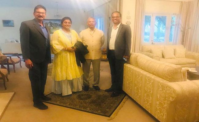 RK Roja Meets High Commissioner AM Gondane In Australia - Sakshi