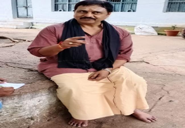 Movie Actor Nagineedu Came Mahanandi Kurnool - Sakshi