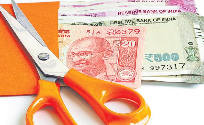 Economic Slowdown Effect Telangana Drafting Budget - Sakshi