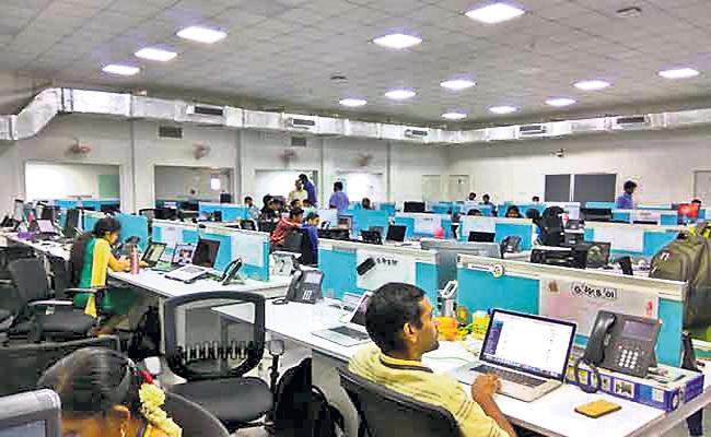 Indians Most of Time Online in Office Hours Said KPMG Survey - Sakshi