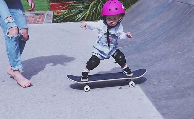 Viral Video One Year Old Girl Skateboarding Skills Australia - Sakshi