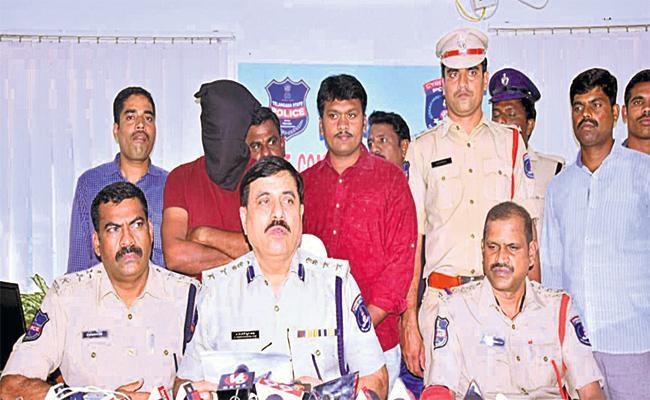 Software Engineer Murder Case Reveals in Hyderabad - Sakshi