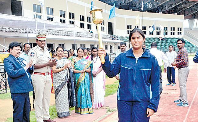Padmasri And Mano Venkat Won Athletics Meet Titles - Sakshi