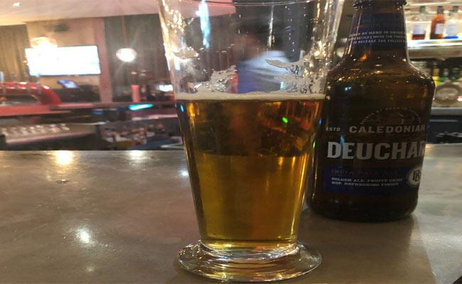 Australia Man Paid 99 Dollars For Pint Of Beer - Sakshi