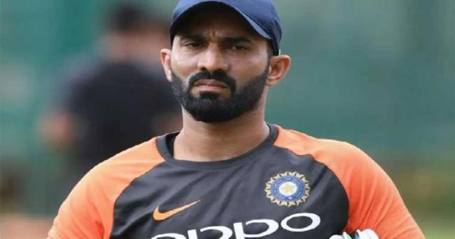 BCCI issues show-cause notice to Dinesh Karthik - Sakshi