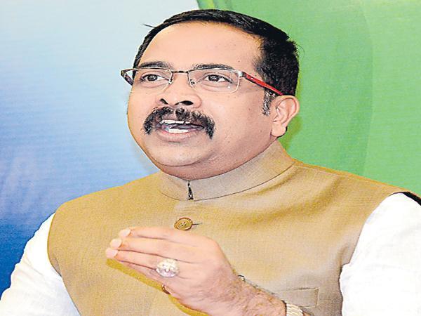 Krishnasagar Rao Comments On KCR - Sakshi