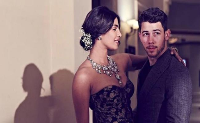 Priyanka Chopra Reveals About Nick Jonas Cry While Shooting For The Sky Is Pink - Sakshi
