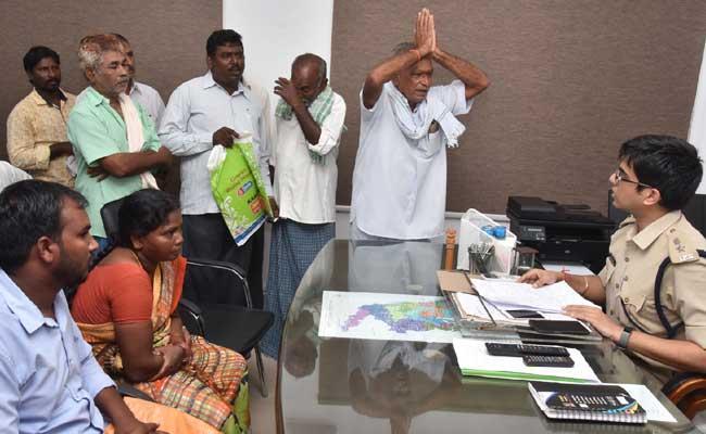 Victims Complaints Against Former MLA Chintamaneni Prabhakar - Sakshi