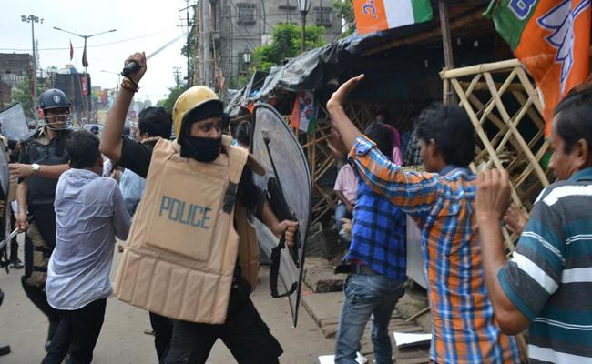 High Approval For Police Violence In India - Sakshi