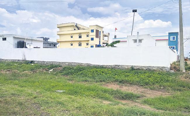 Illegal Registration Of Assigned Lands Rampant In Patancheru - Sakshi