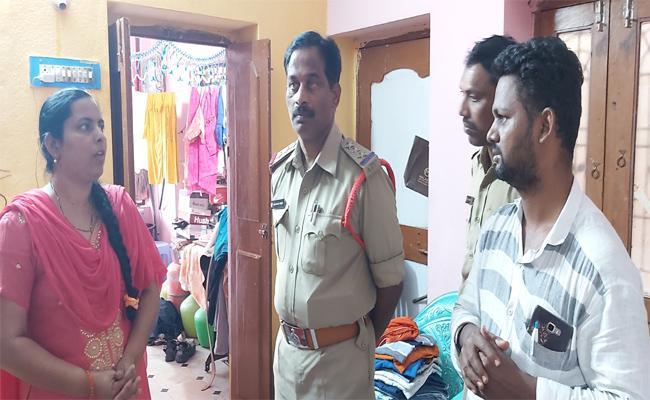 Big House Robbery In Kurnool - Sakshi