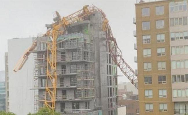 Huge Crane Collapses By Dorian Hurricane In Canada - Sakshi
