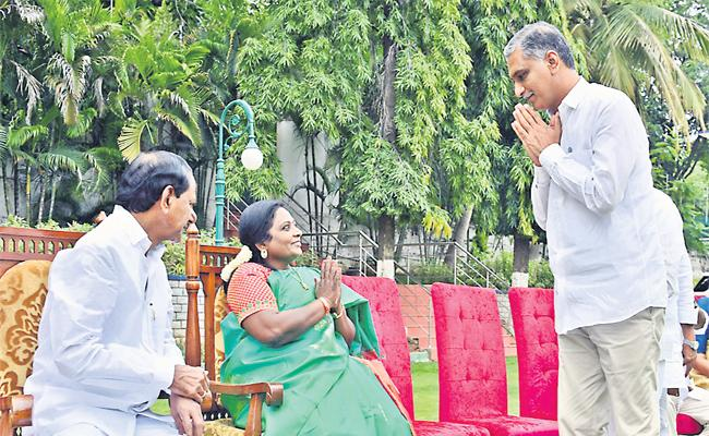 TRS Leaders Celebrates Harish Rao Induction Into Cabinet - Sakshi