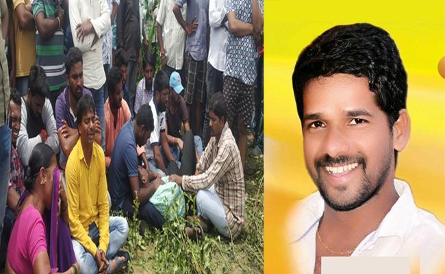 Former Counselor Died In Suspicious Manner In Adilabad - Sakshi