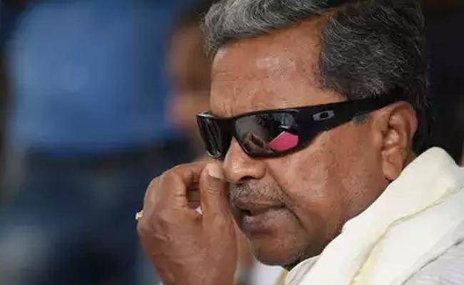 Siddaramaiah Hand On DK Shivakumar Arrest Nalin Kumar Kateel Alleged - Sakshi
