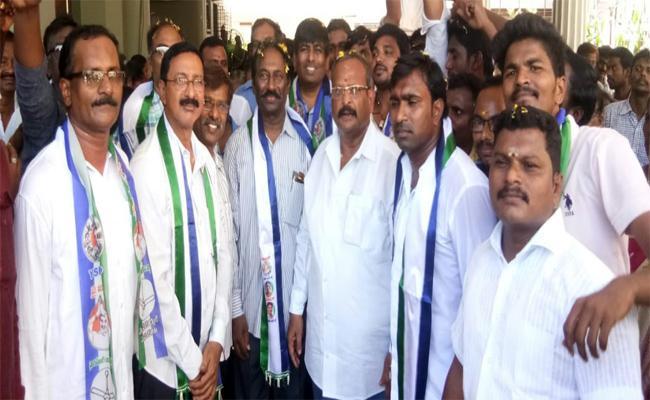 TDP Leaders Joined In YSRCP In Vizianagaram - Sakshi